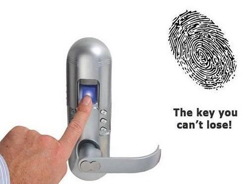 دسترسی به درب ورودی ساختمان بدون کلید و با اثر انگشت